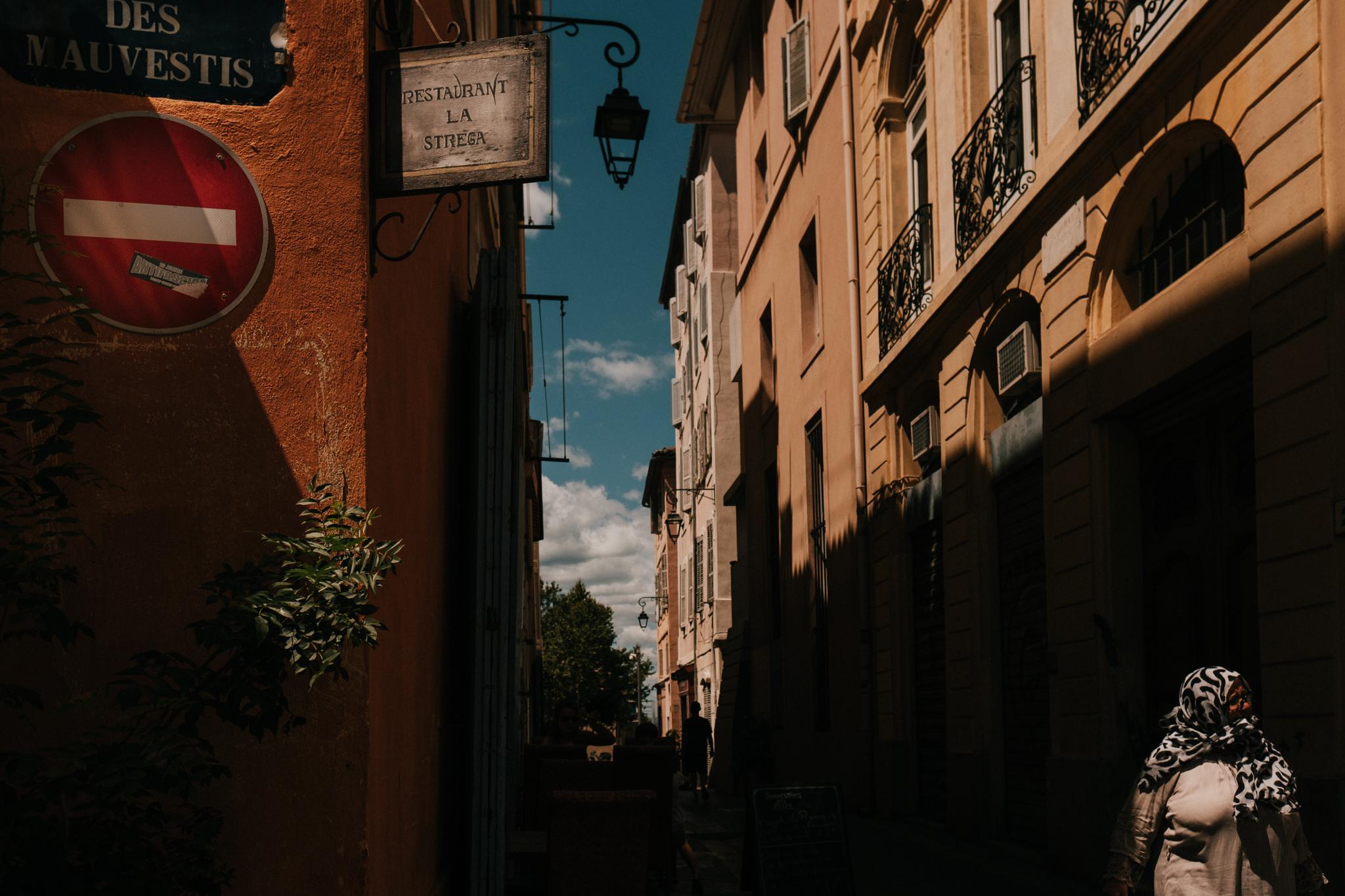 Domaine-de-la-Tuiliere-Marseille-Wedding-Photographer