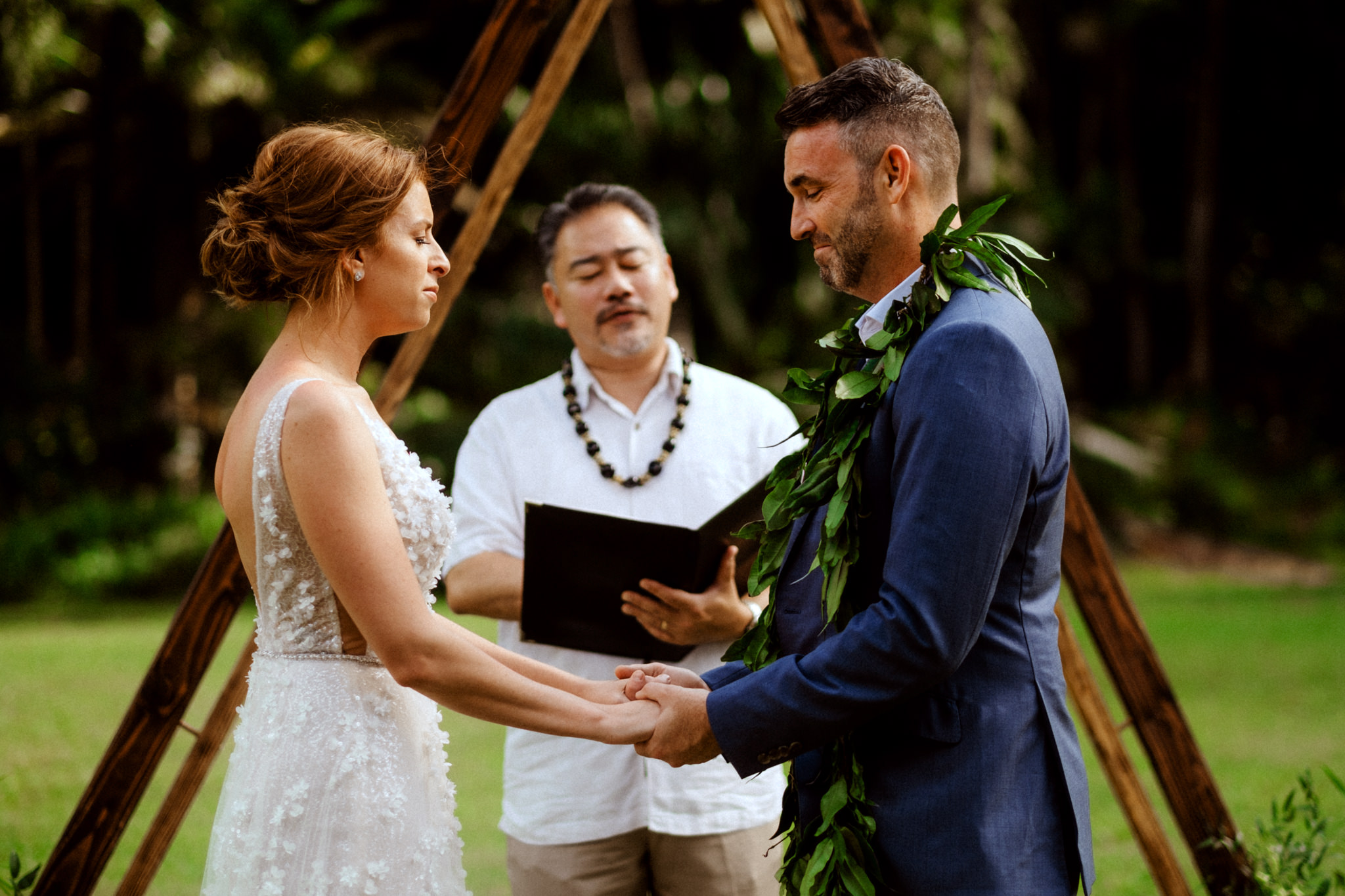 Wedding Photographer Waimea Valley North Shore Oahu
